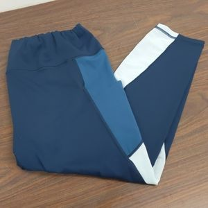 Athleta 2x color block leggings with side pockets